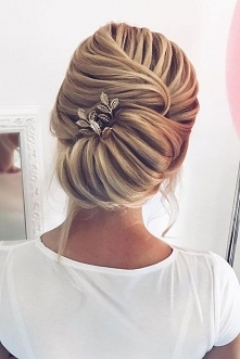 WEDDING/HAIRSTYLE