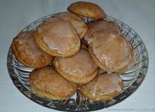Ciasteczka z jabłuszkiem       1 szkl. mąki pszennej     1 szkl. mąki orkiszowej     200 g twarogu półtłustego     200 g miękkiego masła     1/2 szk. cukru     1 opakowanie cukr...