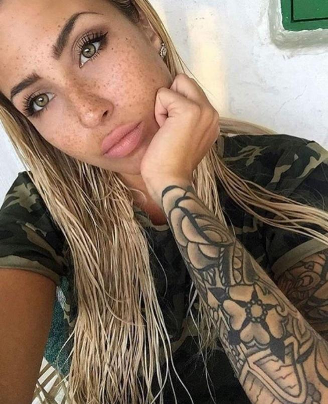 beautiful, woman, green, eyes, tatto, moro