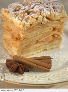 ChilliBite: Czas na szarlotkę ... szarlotkę tatrzańską!  Ma niewiele ciasta, ...