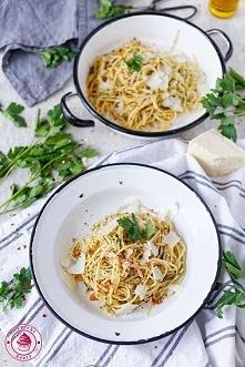 Spaghetti aglio olio e peperoncino - Wypieki Beaty