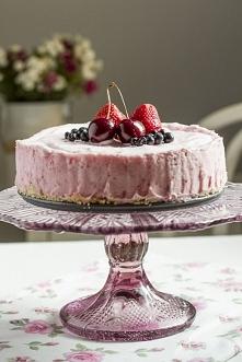 Lodowe ciasto truskawkowe