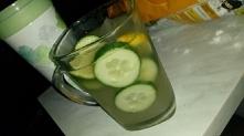 Ulubiony drink! √ <3 : • kostki lodu • wódka • limonka • cytryna • ogórek • Sprite • nektar z ananasa :)