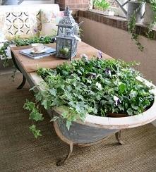 Zielony stół z wanny.