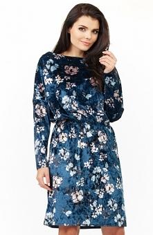 Awama A201 sukienka granatowa Śliczna sukienka, wykonana z miękkiego materiału w piękny kwiatowy wzór, w talii gumka, która pozwala na zbluzowanie góry, kobieca propozycja na co...