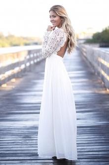Sukienka Vivienne White z noshame.pl (klik w zdjęcie, by przejść do sklepu)