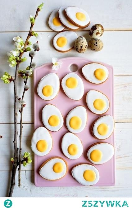[klik w zdjęcie] Wielkanoc tuż tuż, nie masz pomysłu na dekoracje świąteczne? Jak w prosty sposób stworzyć ładne jajeczka, przystroić stół? Zapraszam na bloga po dawkę inspiracji! VISSIEN.blogspot.com