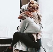 """""""Pewnego dnia zjawi się ktos , kto przytuli Cię tak mocno, że wszystkie ..."""