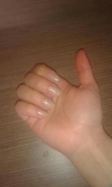 dziewczyny mija 4 tydzień od kiedy olejuje paznokcie. Powiem wam że jestem mega dumna i zadowolona z moich paznokci będę je dalej zapuszczać olejując i będę wam wstawiać jak wyg...