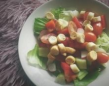 Sałatka na obiad? Jasne! Dla mnie to najlepsza opcja na zdrowy i lekki posiłe...