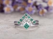 Natural emerald engagement ...