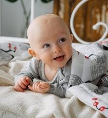 Mam przyjemność zaprezentować Urokliwy komplet pościeli dla dzieci I niemowląt Pościel Bambusowa z wypełnieniem. Poduszeczka i kołderka wykonane ze 100% wiskozy bambusowej, z an...