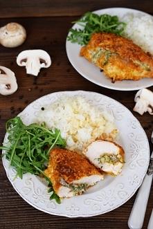 Drobiowe kieszonki nadziane pieczarkami i serem