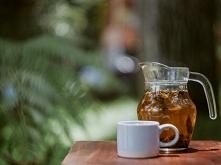Najlepsza oczyszczająca parówka na twarz z mięty i zielonej herbaty