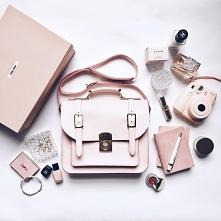 12 rzeczy, które warto nosić w torebce!