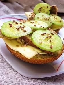 bułki keto :) łupiny babki jajowatej, mąka kokosowa,jajka :) źródło wysokiego...