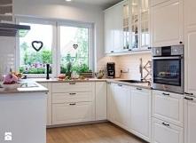 Śliczna biała kuchnia