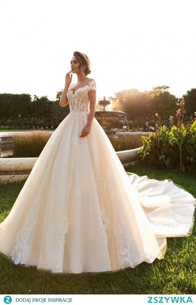 Jak Wam się podoba taka suknia?:)