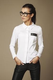 Biała śliczna koszula z ozd...