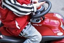 Jeździk – pierwszy pojazd dziecka  Jeździki to pierwsze pojazdy dla maluchów,...