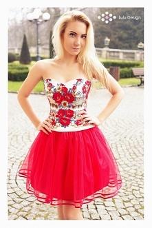Sznurowany, folkowy gorset i tiulowa spódnica marki Lulu Design. Gorset w pię...
