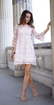 Delikatna pudrowo różowa koronkowa sukienka z kolekcji Illuminate <3