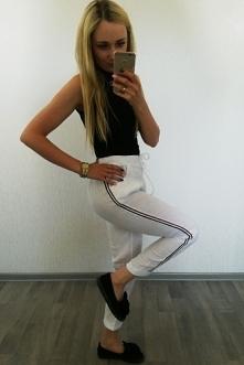 Lniane spodnie to doskonałe rozwiązanie na upalne dni:)