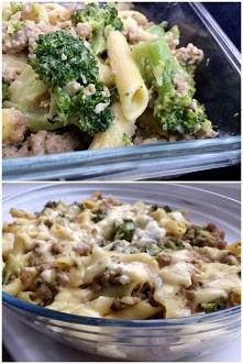 zapiekanka z brokułem i sosem serowym