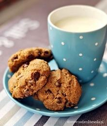 Ciasteczka pelnoziarniste z czekolada i bakaliami