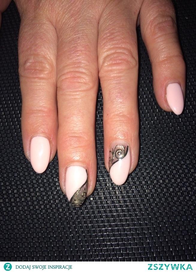 paznokcie mamuski