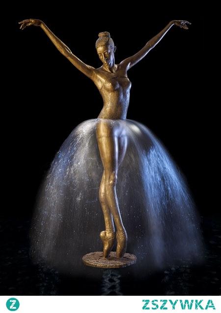 Piekna fontanna M. CHODAKOWSKIEJ