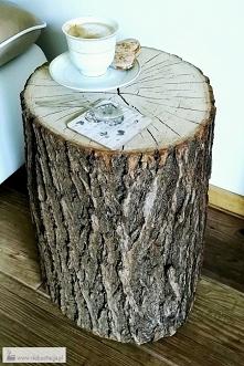 Stolik z pieńka drzewa. Zapraszam.