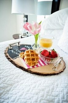 śniadanko do łóżka?