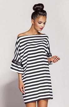 Dursi Peti sukienka czarna Luźna sukienka, wykonana z przyjemnej dzianiny w modne szerokie pasy, krótkie rękawy