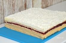 Coś wspaniałego! Kajmakowe ciasto z musem truskawkowym