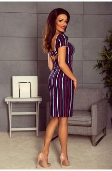 Sukienka w paski na co dzień o długości midi będzie pasowała na kobiety o każdej figurze. Idealnie modeluje sylwetkę, a pionowe paski optycznie ją wydłużają. Delikatny, bawełnia...