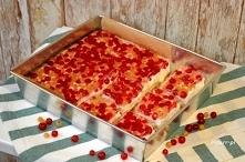 Smaki lata: Szybki sernik z porzeczkami Orzeźwiający smak pysznego deseru na zimno