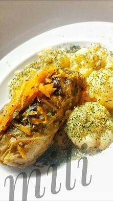 Polskie danie w hiszpańskim domu..? Pewnie, że tak. Zrobione po mojemu nie klasycznie:) puré ziemniaczane na maśle, a gołąbki smażone.●kapustę sparzylam w rosole, później rosół ...