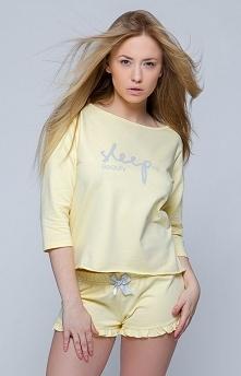 Sensis Sleep komplet żółty Śliczna dwuczęściowa piżamka damska, utrzymana w pięknym cytrynowym kolorze, bluzka o luźniejszym fasonie