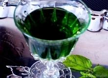 Pęczek świeżych liści mięty pieprzowej 0,5 litra spirytusu 0,75 litra wody 0,...
