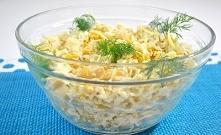 Sałatka z kalafiorem, kukurydza i żółtym serem