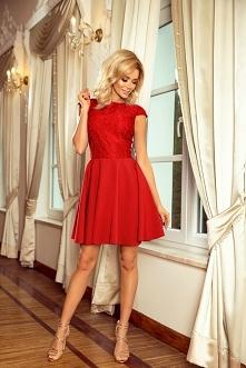 Piękna czerwona rozkloszowa...