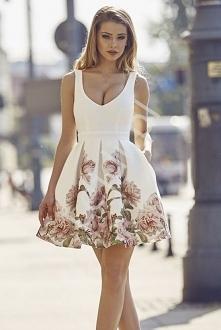 Sukienka koktajlowa piankow...