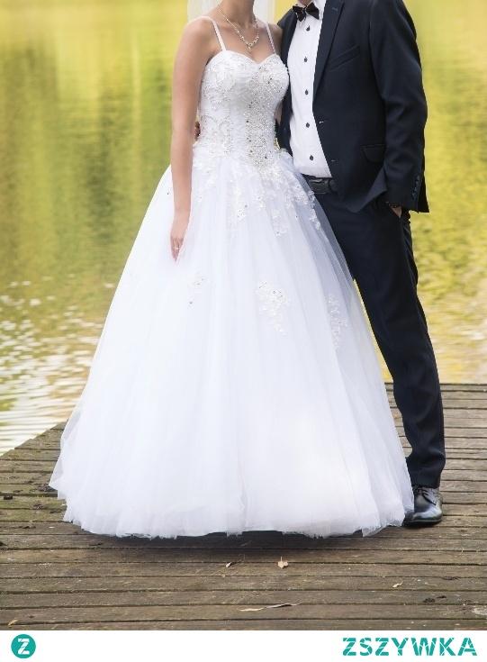 Suknia ślubna Na Sprzedaż Pięknie Wyszyty Kamieniami Gorset W Na