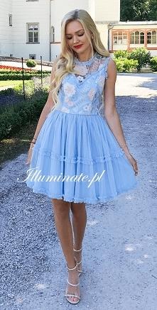 Dziewczęca błękitna sukienk...