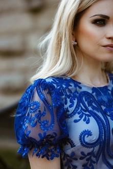 Sukienka z cudownej koronki.