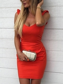 Solid Ruffle Detail Backless Bodycon Dress Rozmiar: S, M, L, XL Kolor: red