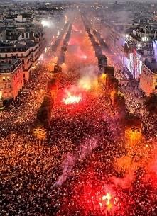 Pola Elizejskie po tym, jak Francja zdobyła MISTRZOSTWO!!!