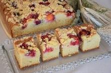 Ciasto śliwkowe na proszku  1 szklanka cukru, 300 gramow masła 82%, 5 jaj 500...