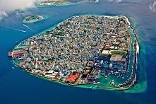 Wyspa Male w archipelagu Malediwów.